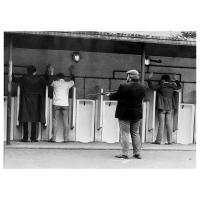 Luc Descheemaeker/O-SEKOER - Hold up